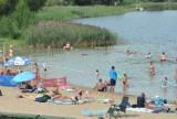 CICHOWO. Kąpielisko i plaże oblegane przez turystów. Letnie popołudnie na plaży głównej i Zacisze w Cichowie [ZDJĘCIA]