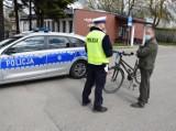 Poradnik rowerzysty: policjanci z Komendy Powiatowej Policji w Pucku radzą co wolno, a czego nie | NADMORSKA KRONIKA POLICYJNA