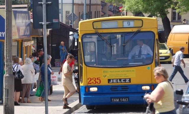 """Autobusy w Tarnowie zmienią trasy przez remont wiaduktu. Utrudnienia czekają pasażerów """"9"""" i """"224"""""""