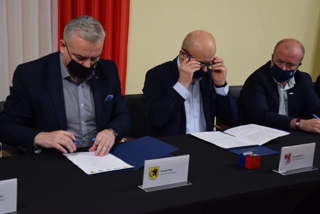 Podpisanie listu intencyjnego w starostwie w Szczecinku