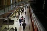 Warszawa. Ratusz szuka oszczędności. Nocne kursy metra zostaną zawieszone?
