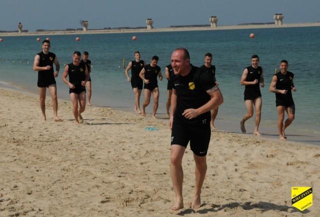 Piłkarze Wieczystej podczas kolejnego dnia na zgrupowaniu w Dubaju