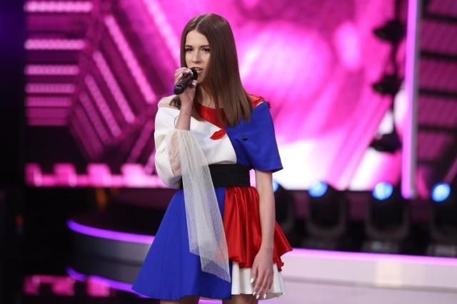 """Jednym z najważniejszych piątkowych wydarzeń jest koncert Roksany Węgiel – młodej piosenkarki, która za sprawą takich przebojów jak """"Anyone I Want To Be"""", """"Żyj"""", """"Lay Low"""" czy """"Dobrze jest, jak jest"""" stała się prawdziwą ulubienicą nastolatek. Czternastoletnia wokalistka z Jasła stała się gwiazdą po tym, jak w ubiegłym roku zwyciężyła w szesnastym Konkursie Piosenki Eurowizji dla Dzieci.  Koncert odbędzie się o godz. 18 w B17 (ul. Bułgarska 17). Ceny biletów: od 49 zł do 999 zł."""