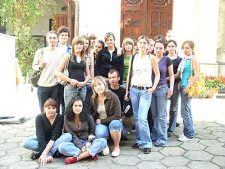Uczniowie klasy II b cieszyńskiego Liceum Ogólnokształcącego im. Mikołaja Kopernika uważają, że w ich szkole problem przemocy nie istnieje.