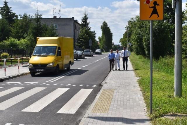 Kosztem ponad 7 mln zł zmodernizowano blisko 2,5-kilometrowy odcinek drogi powiatowej nr 1895K w gminie Przeciszów.