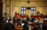 Ksiądz Jankowski pozbawiony honorowego obywatelstwa, nazwy skweru i pomnika - zdecydowali radni na sesji 7.03.2019. Odpowiedź Solidarności