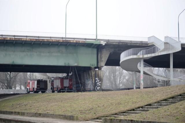 Konstrukcja mostu Łazienkowskiego jest do wymiany