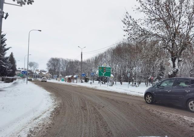 Przejdź do galerii i zobacz zdjęcia białej zimy w Kraśniku, zrobione rankiem 13 stycznia.