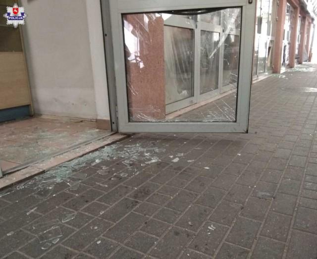 Chełm. 31-latek wybił szyby w boksach na bazarze