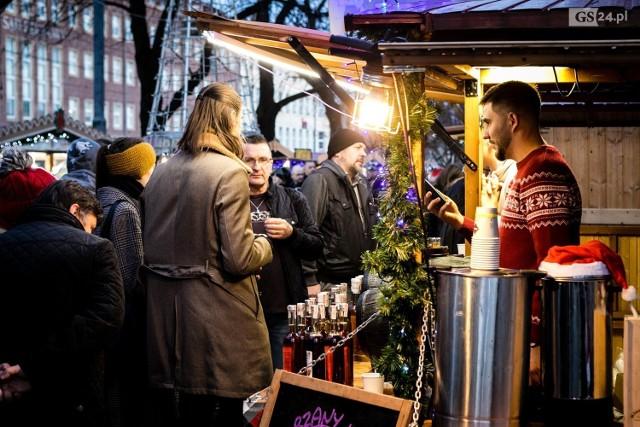 W niedzielę ostatnia okazja by wybrać się na Jarmark Bożonarodzeniowy w Szczecinie w tym roku. Zobaczcie zdjęcia z sobotniego popołudnia!