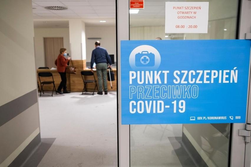 Polacy chcą się zaszczepić przeciwko koronawirusowi. Aż 75...