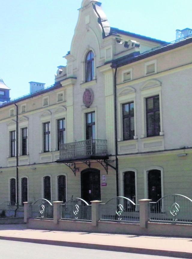 Akta sprawy z brzeskiego sądu miały trafić do  Człuchowa na Pomorzu. Zaginęły jednak w sortowni firmy pocztowej InPost