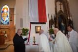 W Cedrach Wielkich odsłonięto tablicę upamiętniającą 100. urodziny Jana Pawła II |ZDJĘCIA