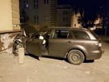 W Elblągu nietrzeźwy kierowca uderzył w budynek mieszkalny. Miał 1,5 promila alkoholu w organizmie