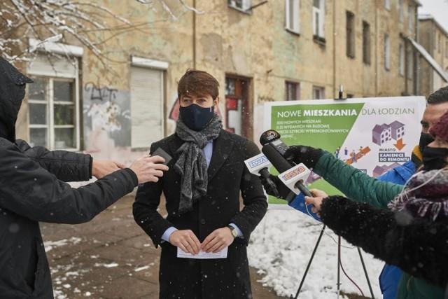 Szczegóły nowego projektu mieszkaniowego przedstawił pierwszy wiceprezydent Łodzi Adam Pustelnik.