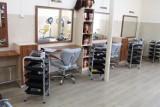 Pleszew. Praca w salonie fryzjerskim czy własna działalność? Co wybiorą absolwenci CKiW OHP w Pleszewie?