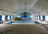 W Sanoku trwa wyburzanie basenu. Zamiast niego powstanie nowoczesne Centrum Rehabilitacji i Sportu [ZDJĘCIA]