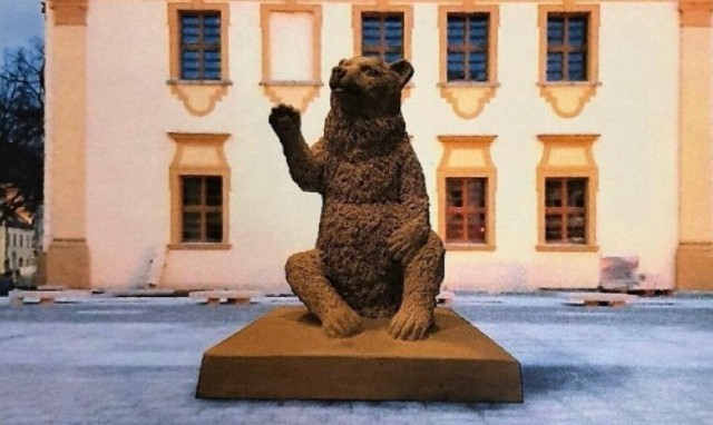 RAWICZ. Pomnik niedźwiedzia na płycie Rynku jednak nie pojawi się w tym roku. Jest nowy termin instalacji symbolu Rawicza na Rynku