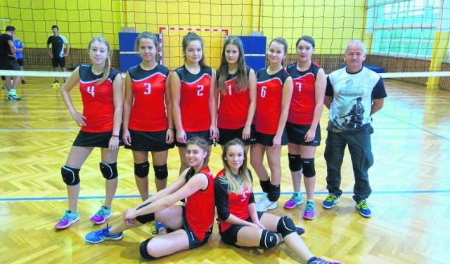 W lidze w Janowcu Wielkopolski występuje dużo kobiet. Skutecznie walczą przeciwko mężczyznom, którzy są w mniejszości.