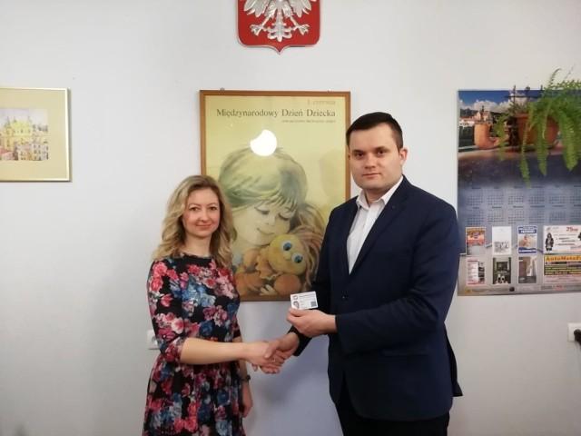Wiktoria Chabko została Społecznym Rzecznikiem Praw Dziecka w Przemyślu. Nz. obok Grzegorz Piestrak, prezes przemyskiego oddziału Towarzystwa Przyjaciół Dzieci.