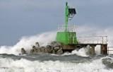 Silny wiatr na Pomorzu! Ostrzeżenie IMGW przed wichurą 19.11.2020 r. Podmuchy mogą dochodzić do 75 km/h