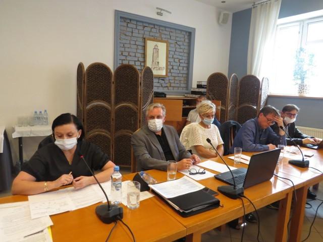 O zwołaniu komisji we wtorek, 28 września zdecydował starosta brodnicki Piotr Boiński. - Plotki powinny być dementowane, stąd to spotkanie - powiedział starosta