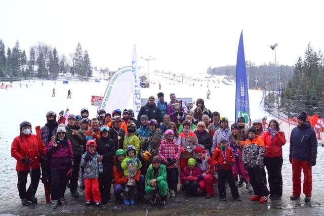 XV Mistrzostwa Czeladzi w narciarstwie alpejskim oraz snowboardzie odbyły się w Istebnej Zobacz kolejne zdjęcia/plansze. Przesuwaj zdjęcia w prawo - naciśnij strzałkę lub przycisk NASTĘPNE