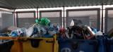 Osiedlowe śmietniki są przepełnione w Katowicach. Cztery dni bez śmieciarek i oto efekt [ZDJĘCIA]