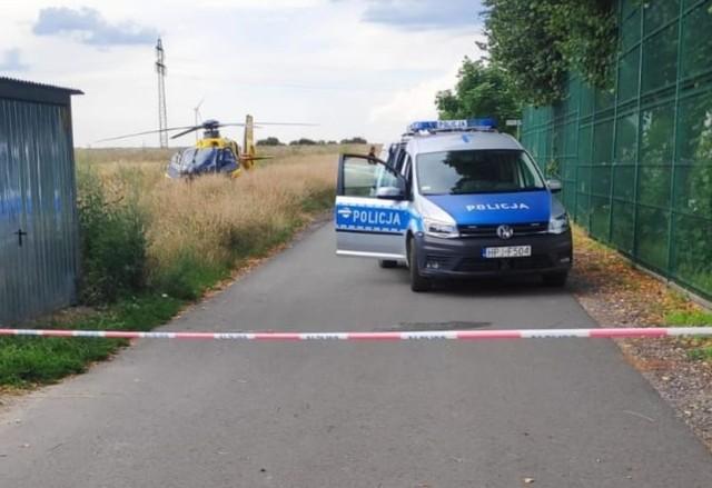 Ulica Gimnazjalna w Krapkowicach. To tutaj około 14.00 mężczyzna ugodził nożem kobietę.