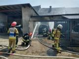 Mechnica. Groźny pożar w gospodarstwie. Poparzony 17-latek, który sam próbował ugasić płomienie