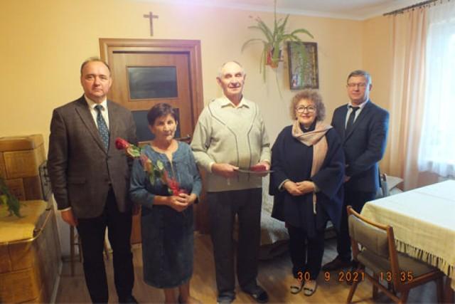 13 par z gminy Orły świętowało jubileusz 50 - 60-lecia wspólnego pożycia małżeńskiego.