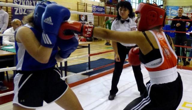 W piątek po południu rozpoczęły się walki eliminacyjne - o tytuły i medale walczą w Busku także dziewczęta.