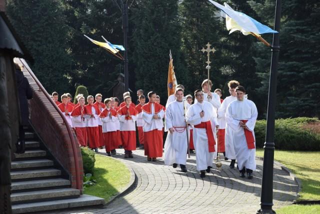 Wprowadzenie relikwii św. Jana Pawła II do kościoła bł.Karoliny w Tychach
