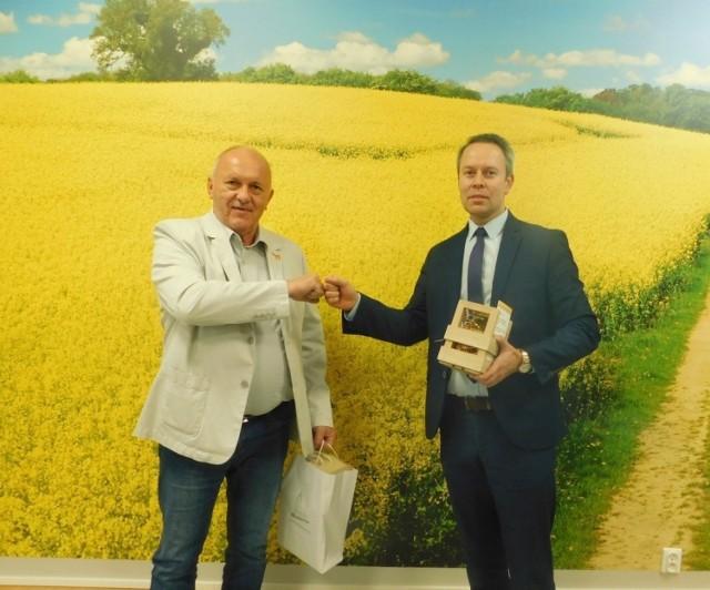 Wójt gminy Krzysztof Neryng spotkał się z burmistrzem Sulechowa Wojciechem Sołtysem w sprawie rozszerzenia partnerstwa pomiędzy gminami Szczaniec, Lubrza i Sulechów.