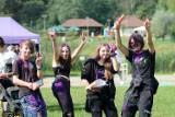 Jasło. Kolorowo na Przystanku Kwiatowa, mieszkańcy w różnym wieku bawią się na Holi Festival Poland [FOTORELACJA]