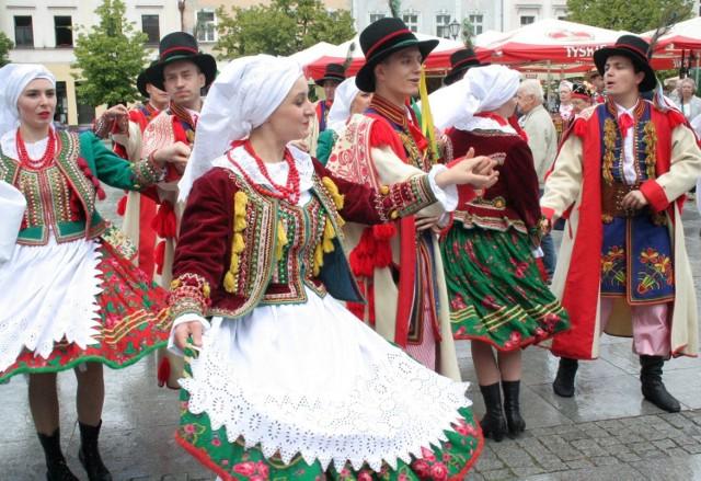 Co roku tłumy przyjeżdżają do Chełmna na coroczne święto muzyki, tańca, dobrego jedzenia - i picia - a także wyjątkowego rzemieślnictwa. To wszystko czeka nas tu w ten weekend