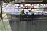 Uniósł się most w porcie w Nowej Soli. Mieszkańcy uwielbiają ten widok. Ale od wielu lat takie okazje zdarzają się bardzo rzadko