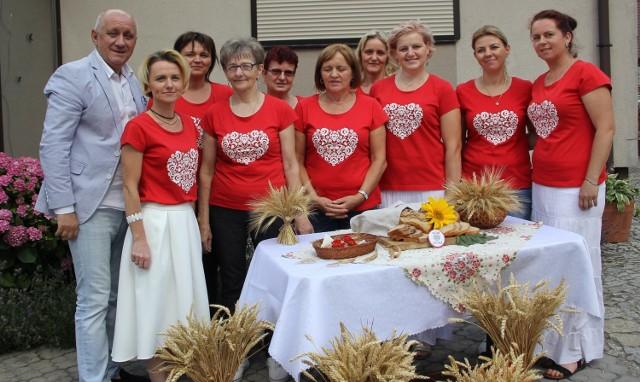 KGW Ociąż w ksiedze chwali się przepisem na tradycyjny, lokalny chleb