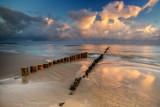 Foto Powiat Pucki: tak uroczo jest rankiem na plaży we Władysławowie. Jesień 2020 nad Bałtykiem zachwyca spokojem i... klimatem | ZDJĘCIA
