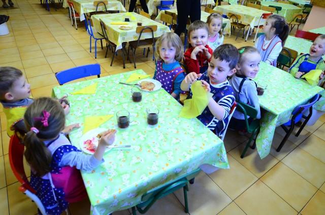 W zespole szkolno-przedszkolnym na osiedlu Łokietka znajdują się kuchnia i stołówka