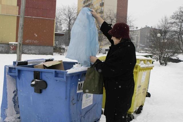 Mieszkańcy bloków mają wliczoną opłatę  za wywóz śmieci w czynszu