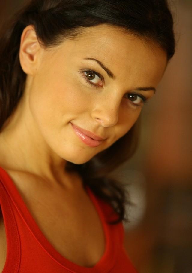 """Katarzyna Glinka, gra m.in. w """"Barwach szczęścia"""", """"Tancerzach"""", w filmie """"Och Karol 2"""" i """"Wyjazd integracyjny"""""""
