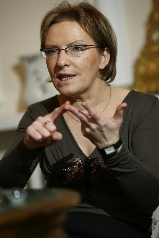 Ewa Kopacz przekonuje, że ma pomysł, jak pomóc najbardziej zadłużonym szpitalom