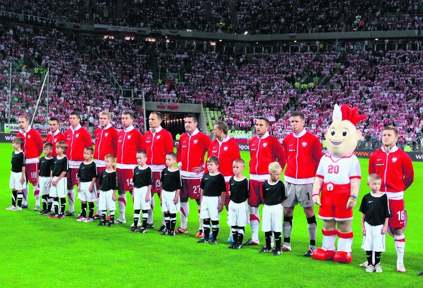 Wprowadzanie piłkarzy na mecz to od 2002 roku tradycja na ważnych turniejach