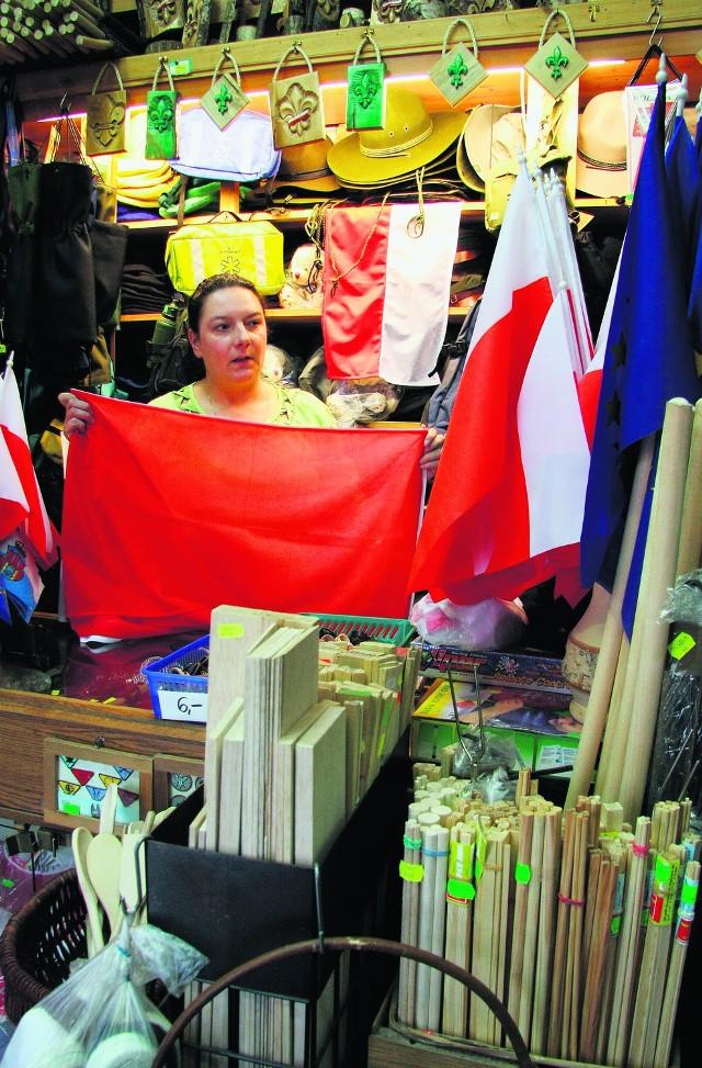 Flagi można kupić w składnicy harcerskiej przy Grzegórzeckiej