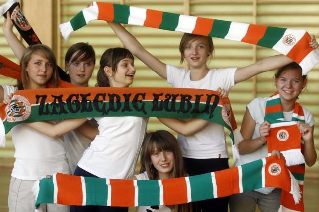 Dziewczyny z Gimnazjum nr 4 w Lubinie kibicują Zagłębiu. Będą chodzić na mecze