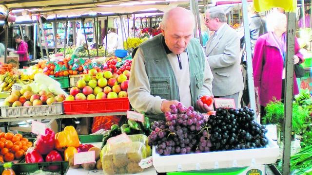 Na tarnowskim Burku od wielu, wielu lat mieszkańcy bardzo chętnie robią zakupy, bo tu są świeże jarzyny i owoce