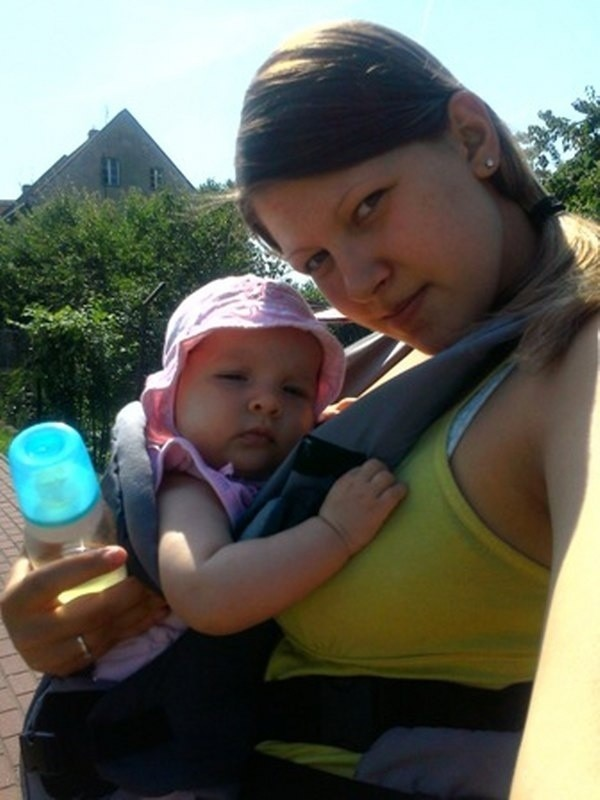 Julia Wyrwas, córka Wiktoria Piasecka, SMS na numer 72355 o treści Mamaija.1.