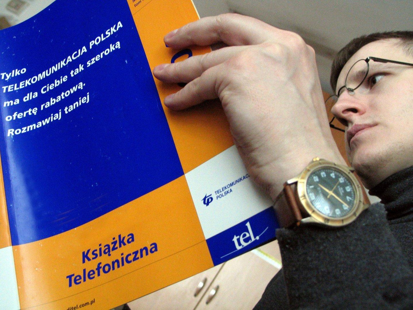 Super Wkrótce znikną książki telefoniczne. Nie wiadomo, czym je YL61
