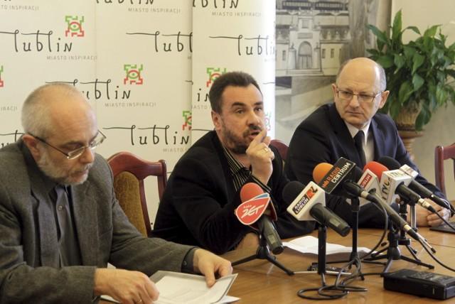 Grzegorz Rzepecki, Paweł Prokop i Krzysztof Żuk na dzisiejszej konferencji prasowej.